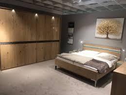 schlafzimmerset eiche furniert baumrindenoptik bett kleiderschrank kommode schlafzimmer möbel xxxlutz