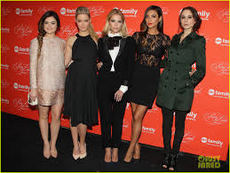 Pretty Little Liars 2014 Halloween Special by Pretty Little Liars U0027 Cast Presents Finale At Nyc Live Read Photo