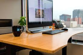 Uplift Standing Desk Australia by Any Of Y U0027all Use A Standing Desk For Work Bodybuilding Com Forums