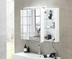 lifestyle4living bad spiegelschrank in weiß 3 türen led beleuchtung steckdose badezimmerschrank mit spiegel 80 cm breit 75 cm hoch 16 20 cm