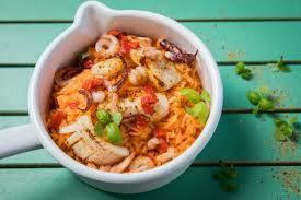 comment cuisiner des encornets frais recette de encornets sautés et riz aux piquillos rapide