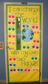 Halloween Classroom Door Decorations Pinterest by Best 25 Preschool Bulletin Boards Ideas On Pinterest Beach