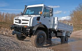 100 Unimog Truck New Mercedes Ready To Run Over Everything MotorTrend