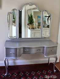 White Makeup Desk With Lights by Vanity Makeup Table With Lights Modern Elegant 2017 Makeup Vanity