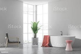 weiße wanne in einem weißen badezimmer sessel ecke stockfoto und mehr bilder architektur