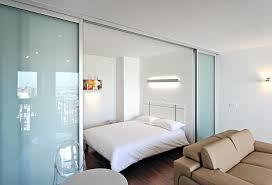 astuce pour separer une chambre en 2 des astuces pour optimiser l espace d un petit studio sans mezzanine