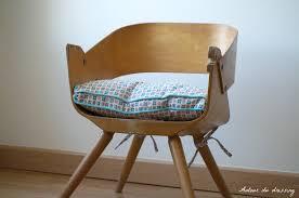 chaise enfant en bois chaise vintage bois pour enfantautour du dressing