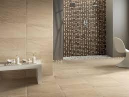 bad fliesen ideen steinoptik sandstein mosaik braun