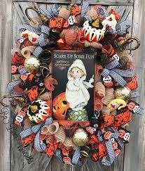 Grandin Road Halloween Wreath by 267 Best Coronas De Halloween Images On Pinterest Flower