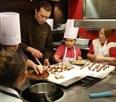 participer à un atelier de cuisine pour enfants