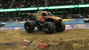Scooby Doo Monster Truck - YouTube