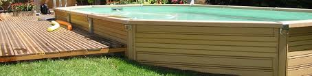 offrez vous le charme d une piscine bois composite semi enterrée