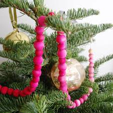 Decorate Christmas Tree Garland Beads by How To Make An Ombre Garland Best Friends For Frosting