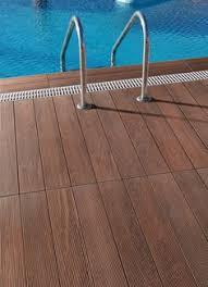 construction terrasse piscine carrelage imitation bois favorites