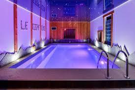 chalet 10 personnes alpes chalet prestige 10 pers 5 chambres piscine intérieure et sauna