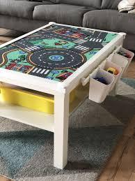 ikea lack tisch mit spielteppich roller babyzimmer