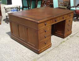 ANTIQUE FURNITURE WAREHOUSE 5ft Antique Partners Desk