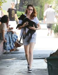 Kristen Stewart Brings Puppy To Lunch | HuffPost How Kristen Stewart Michelle Williams Came Together For Certain Times Square Gossip Kristen Stewart In Shorts Hawtcelebs Robert Pattinson Spotted Packing Beloings And Moving Out Of Fender Bender Blues Photo 2864815 Justice For Loves To Drink Boxed Water 726107 Pin By Er On Stewart Casual Style Pinterest Images Of Qygjxz I Have Thoughtlessly Traversed My Creative Dires