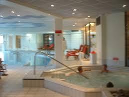 photo l espace piscine et détente hammam sauna et
