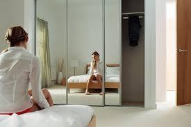 warum einen spiegel nicht gegenüber einem spiegel einer