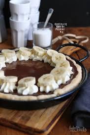 pudding pie mit schokolade und banane