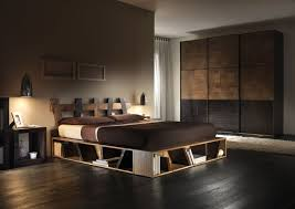 Bedroom Traditional Bedroo Decoration With Pine Wood Pallet Bed