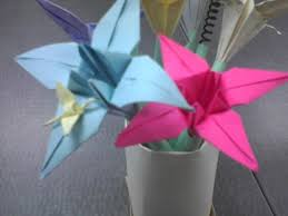 Make A Vase Of Paper Flower Pens 6 Steps