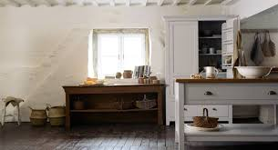 cuisine cottage anglais cottage kitchen succumb to the charm of the style