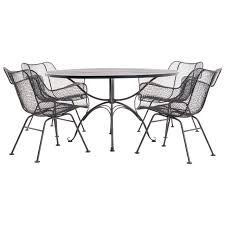 Russell Woodard Outdoor Dining Table With Four Sculptura Chairs Arms For Sale