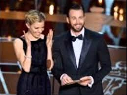 Elizabeth Olsen Chris Evans Are The Avengers Co Stars Dating