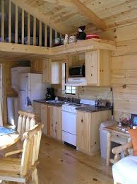 Log Cabin Kitchen Decorating Ideas by Best 25 Small Cabin Kitchens Ideas On Pinterest Rustic Galley