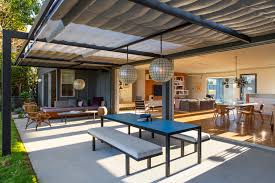 100 Ranch House Interior Design IndoorOutdoor Living An LA Rehab By Barbara Bestor And DISC