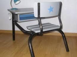 bureau d ecolier beau pupitre d école avec sa chaise intégrée par ribambelle et