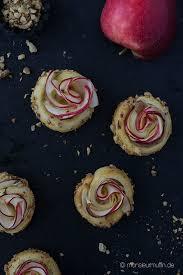 apfel rosinenschnecken rezept mit marzipan und apfelröschen