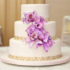 Flour Power Thailand In Toronto Was The Theme For This Sweet Floral Cake When Conflicting Purple Wedding