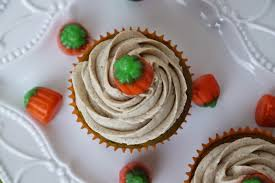 Now Enough About The Cupcakes Lets Talk Frosting Ohmygod Its One Of Best Buttercream Frostings Ive Ever Made