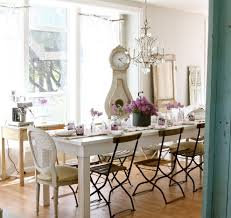Shabby Chic Dining Room Chair Cushions by White Table For Shabby Chic Style Dining Room With Farmhouse Table