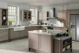 cuisine taupe et gris cuisine meubles gris vive les cuisines grises with cuisine