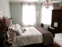 Shabby Chic Style With Dark Furniture