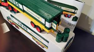 HESS Box TRAILER 1975 { EXCELLENT CONDITION * { MINT With 3 Oil ... 1991 Servco 1990 Hess Customized Double Tandem Tanker Truck Vintage Hess Toy Trucks Lot Of 6 In Boxes 19902012 Colctible Space Shuttle Race Energy On Behance 2002 And Airplane Video Review Youtube 2017 Dump Loader Soundjacks Through The Years Newsday Lego Ideas Product Classic Fire Custom Hot Wheels Diecast Cars Gas Station Where Can I Sell My Toys Hobbylark Miniature Greg Colctibles From 1964 To 2011 Box Trailer 1975 Excellent Cdition Mint With 3 Oil