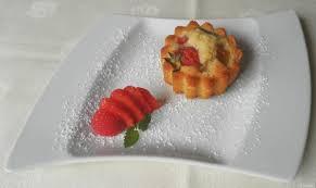 mini erdbeer rhabarber kuchen