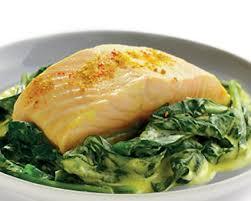 cuisiner pavé saumon recette pavés de saumon au curry sur lit d épinards seb