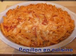 recette gratin de pâtes au chorizo et mozzarella papillon en