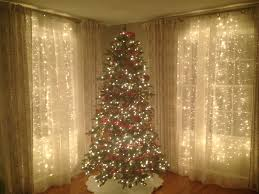 Christmas Tree Shop Curtains by How To Hang Outdoor Christmas Lights Apartment Balcony