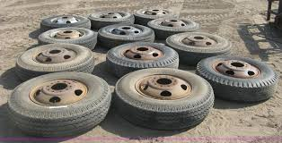 100 15 Truck Tires 12 Truck Tires And Wheels Item BQ9565 SOLD July Ag