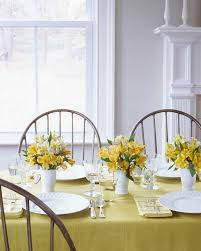 Floral Centerpieces For Dining Room Tables by Easy Centerpieces Martha Stewart