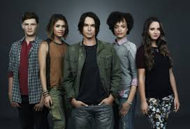 Pll Halloween Special 2014 Online by Abc Family Cancel U0027s Pll Spin Off Ravenswood Thepophub Com