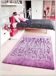 tapis de chambre tapis chambre ado fille idées de décoration à la maison