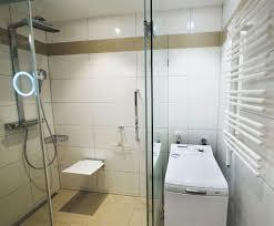 kleines bad mit dusche unter 4 m in 81476 münchen