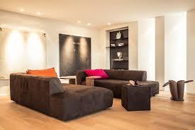 das wohnzimmer in braun gestalten und zeitlos im trend